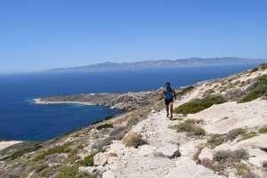 """""""Θα πάω να τρέξω στη Δονούσα, θα έρθεις;"""" – ο Ηλίας Πράσινος μας μιλάει για το Donoussa Trail Running 2018!"""